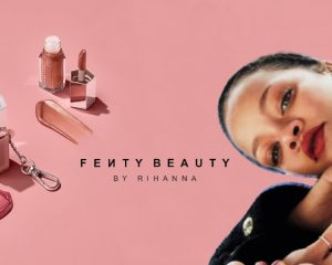 "Rihannas neuer Fenty Beauty Gloss Bomb in der Shade ""Pink Dragonfly"" im Mini-Set (ab 8. Januar 2021)"